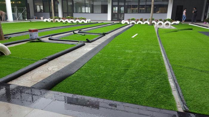 Báo giá cỏ nhân tạo sân vườn 1