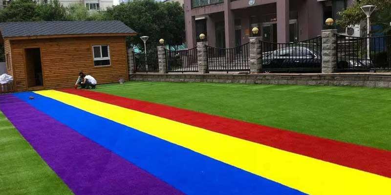 Nên chọn màu sắc cỏ sân vườn ra sao? 1