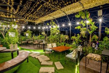 Các mẫu thiết kế cỏ nhân tạo sân vườn quán cafe đẹp