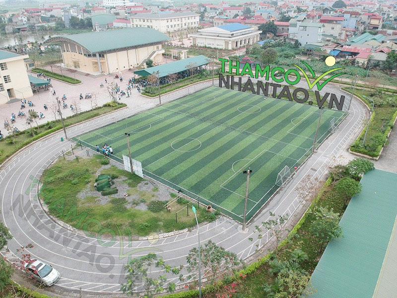 Một vài hình ảnh của dự án sân bóng đá cỏ nhân tạo tại trường THPT Nguyễn Du, Hà Nội: 1
