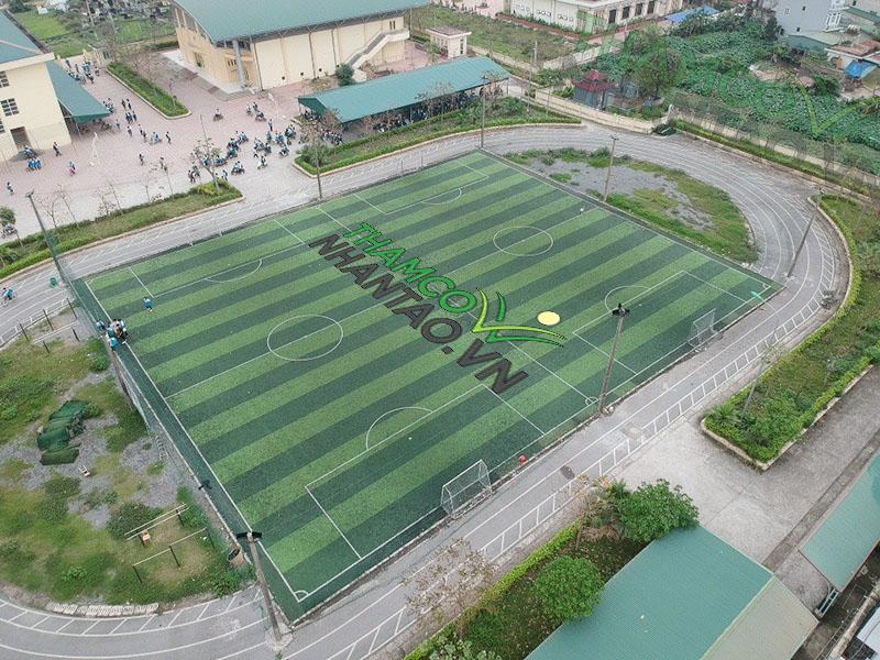 Một vài hình ảnh của dự án sân bóng đá cỏ nhân tạo tại trường THPT Nguyễn Du, Hà Nội: 2